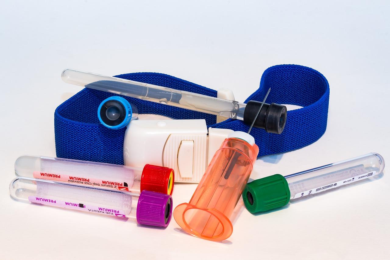 Akcesoria medyczne. Naczynie laboratoryjne, kaniula dożylna